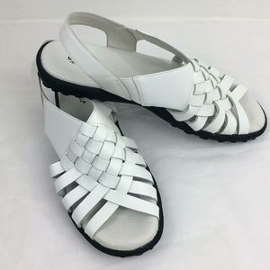 NWOT Sonoma white woven leather strap sandals-8.5